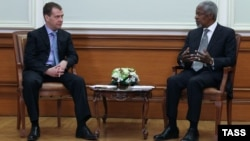 President Dmitry Medvedev (left) meets with the special UN-Arab League envoy for Syria, Kofi Annan, in Moscow.