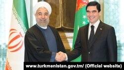 Eýranyň prezidenti Hassan Rohani we Türkmenistanyň prezidenti Gurbanguly Berdimuhamedow