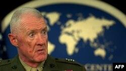 АҚШ теңіз жаяу әскері корпусының генералы Ричард Милс. Вашингтон, 27 сәуір 2011 жыл.