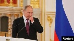 Путин на встрече с членами олимпийской сборной в Кремле