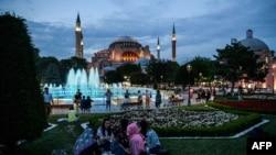 Туркойчоь -- Истанбул, 06.07.2016.