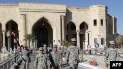 Американски војници ја напуштаат базата во близина на Багдад