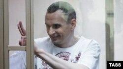 Олег Сенцов в російському суді, серпень 2015 року