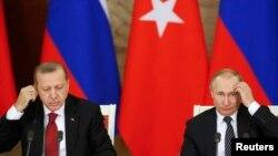 Președinții Vladimir Putin și Tayyip Erdogan în martie la Moscova