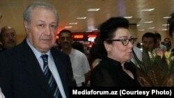 Ayaz Mütəllibov, Bakı hava limanında. 7 iyul, 2012-ci il. Foto Meidaforum.az saytınındır.