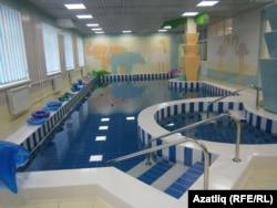 Балалар өчен бассейн бүлмәсе