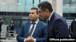 Глава Агентства по вопросам внешней трудовой миграции Равшан Ибрагимов (слева) и министр занятости и трудовых отношений Узбекистана Шерзод Кудбиев.