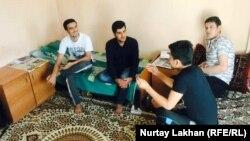 Жатақханадағы ауғанстандық студенттер. Алматы, 6 қазан 2017 жыл. Көрнекі сурет.