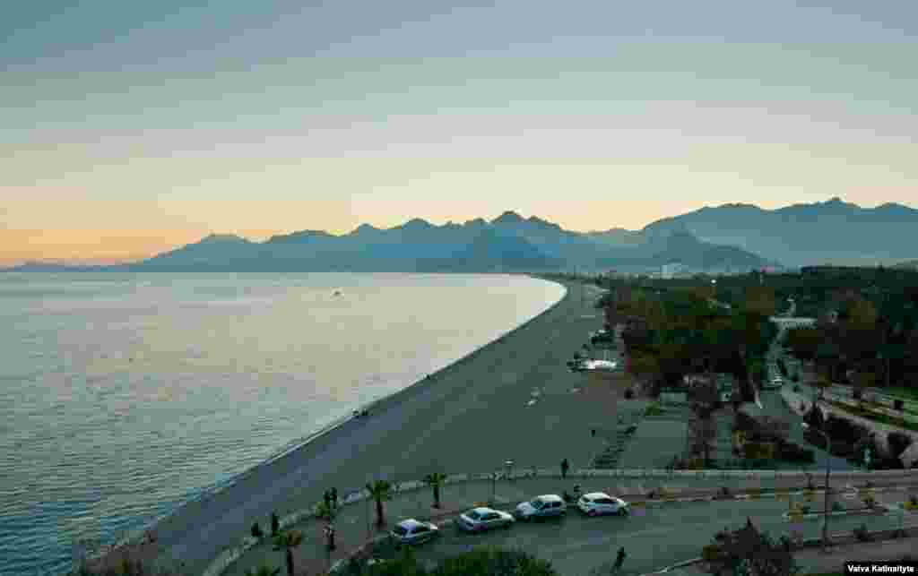 Antalya's virtually empty beaches are usually buzzing with tourists, even during the winter months when temperatures hover around 20 degrees Celsius.