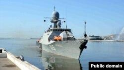 Rusiya hərbi gəmisi Bakıda. Foto arxiv