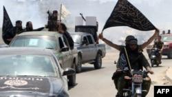 افراد گروه «جبهه النصره» در این تصویر در نزدیکی حلب