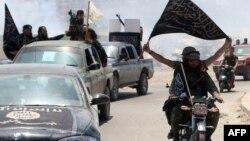 Սիրիա - «Ալ-Ղաիդա»-ի սիրիական ճյուղավորում «Ալ-Նուսրա» խմբավորման զինյալները Հալեպում, արխիվ