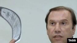 Виктор Батурин утверждает, что сестре не хватит никаких денег, чтобы расплатиться по обязательствам