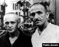 Юрій Литвин (ліворуч) та Микола Волощук, український художник, поет