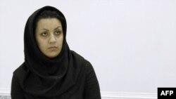 ريحانه جباری، ۲۶ ساله، متهم به قتل مامور پيشين وزارت اطلاعات روز شنبه در زندان اعدام شد.