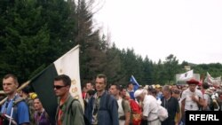 Marš mira, juli 2010, fotografije uz tekst Maja Nikolić