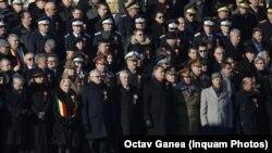 Liderii de stat ai României sîmbătă dimineața la parada militară de la București