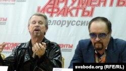 Анатоль Кашапараў (зьлева) і Лявон Барткевіч