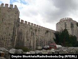 Фортеця Едикуле («Замок семи веж») у Стамбулі, де в 1670-х роках тримали Юрія Хмельницького