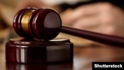 На судебном процессе сегодня не было ни пострадавших, ни их представителей. Прокуроры возражали против рассмотрения дела, адвокаты и подсудимые считали, что судебное заседание можно продолжать