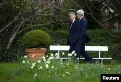 Філіп Гаммонд і Джон Керрі під час переговорів у Лозанні, 30 березня 2015 року