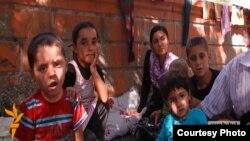Дети беженцев-езидов, апрель 2014 г.