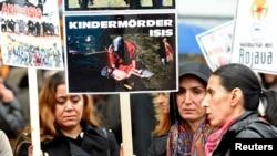 Демонстрация в Гамбурге в поддержку курдов в городе Кобани