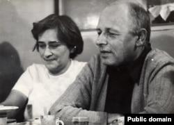Андрій Сахаров і Олена Боннер. 1975 рік