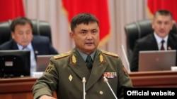 Мурдагы коргоо министри Таалайбек Өмүралиев. 12-сентябрь, 2012-жыл.