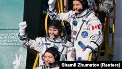3 декабрь куни парвозини бошлаган космик кемани Роскосмос космонавти Олег Кононенко бошқармоқда, кемада, шунингдек, канадалик астронавт Давид Сен-Жак ҳамда АҚШлик астронавт Энн Макклейнлар бор.