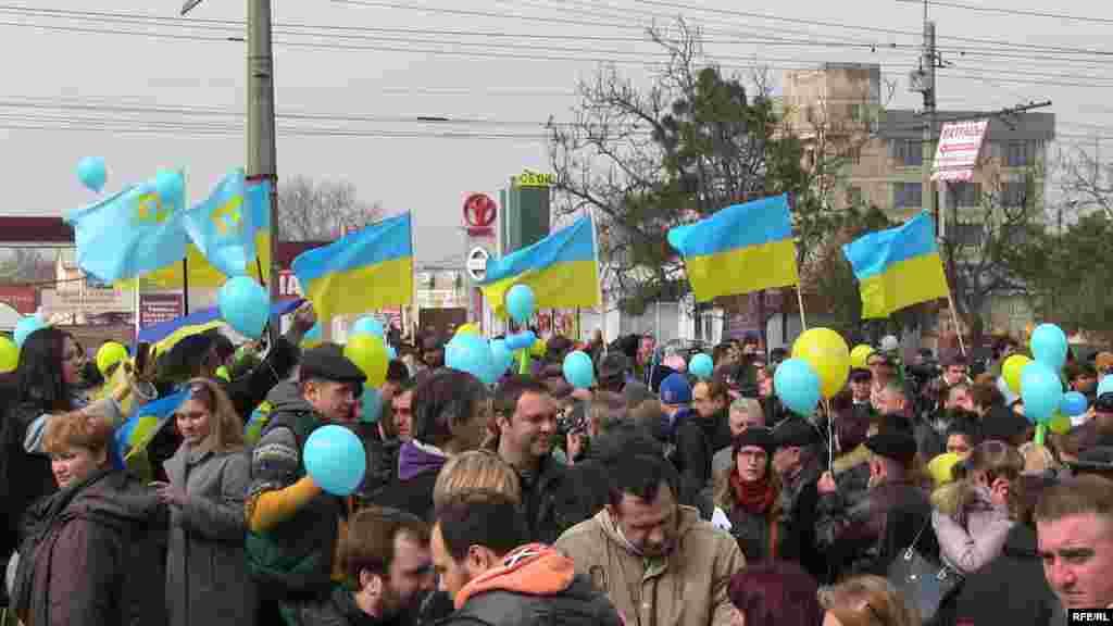 Акція в Сімферополі, присвячена 200-річчю від дня народження Тараса Шевченка, 9 березня 2014 року