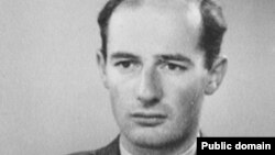 Şwesiýaly diplomat Raul Wallenberg. 1944 ý.