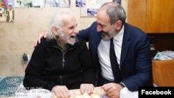 Премьер-министр Никол Пашинян посещает Ерванда Манаряна, Ереван, 30 октября 2018 г.
