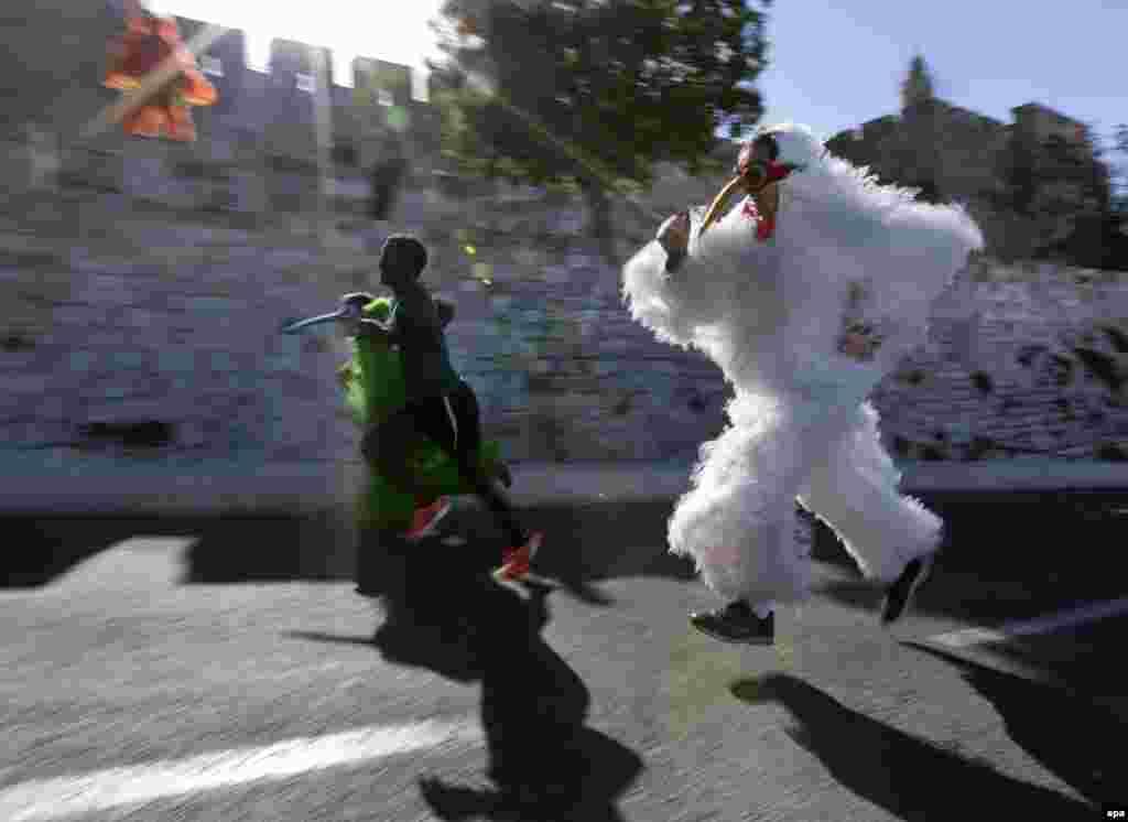 İsraildə keçirilmiş festivaldan sonra çəkilmiş foto. (AFP/Jim Hollander)