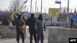Так блокували проїзд групи ОБСЄ 7 березня 2014 року