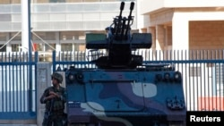 Триполи шаҳридаги Ливан армияси аскари.