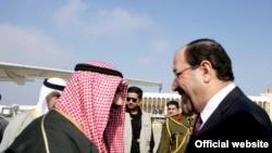 رئيس الوزراء العراقي نوري المالكي يستقبل نظيره الكويتي الشيخ ناصر الصباح في بغداد.