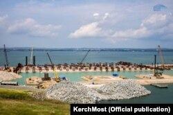 Строительство Керченского моста, архивное фото