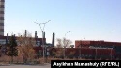 У медеплавильного завода компании «Казахмыс» в Жезказгане. Иллюстративное фото.
