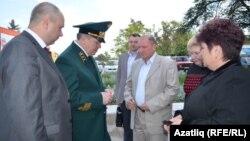 Май аенда Наил Мәһдиев урман хуҗалыгы министры вазифасында Бакчасарайда агачлар утыртып кайткан иде
