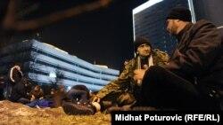 Sarajevo: Demobilisani borci prenoćili ispred Parlamenta BiH