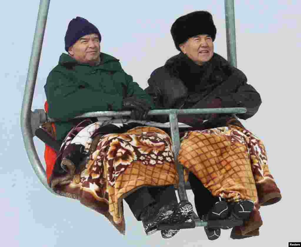 Казакстандын президенти Нурсултан Назарбаев менен, Алматы. 2001-жыл