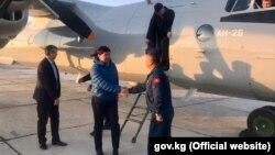 Мухаммедкалый Абылгазиев на военно-транспортном самолете прибыл в Баткенскую область.