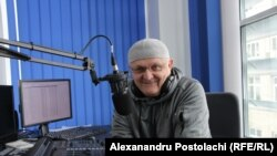 Vasile Botnaru în studioul Europei Libere la Chișinău