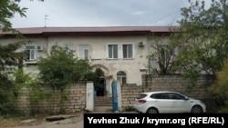 В этом доме раньше, возможно, было общежитие