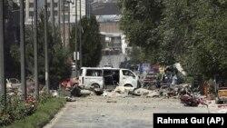 На месте взрыва в Кабуле, 1 июля 2019 года