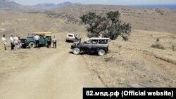 В районе Меганома в Судаке опрокинулся УАЗ с туристами