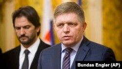 Прем'єр-міністр Словаччини Роберт Фіцо та екс-міністр внутрішніх справ країни Роберт Каліняк