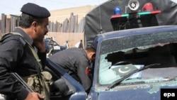 کوټه: د بلوچستان په مرکز کوټه کې پولیس د یوه موټر تالاشي اخلي: د ۲۰۱۰ز کال د مې ۲۸مه