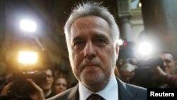 Дмитро Фірташ біля суду у Відні, 21 лютого 2017 року. Після засідання суду його знову затримали вже в новій справі